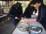 飯ごう炊さんではカレーを作りました